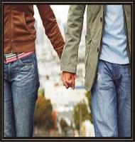 ¿Por qué cuando dos se casan se organiza una fiesta y cuando dos van a vivir juntos no?